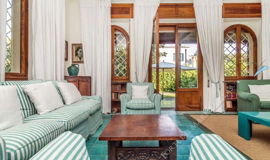 Villa Almarosa +  dependance : Salotto