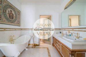 Villa Datcha : Ванная комната с ванной