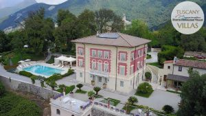 Villa Datcha : detached villa for sale  Pietrasanta