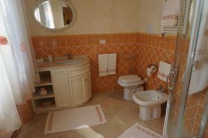 Villa Gilda : Bagno con doccia