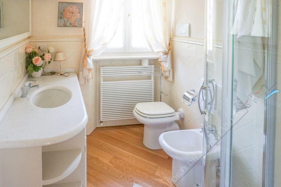 Villa Gilda : Bathroom with shower