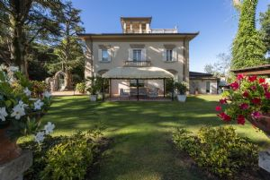 Villa Colletto Camaiore : Detached villa Camaiore