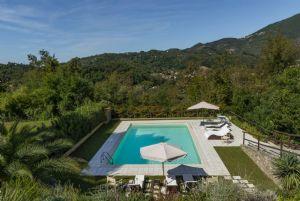 Villa Colletto Camaiore  : Swimming pool