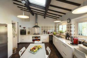 Villa Colletto Camaiore  : Kitchen