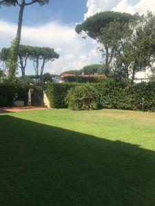 Villa Roma Imperiale Gialla  : Вид снаружи