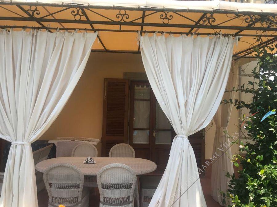 villa Roma imperiale  Gialla  : Outside view