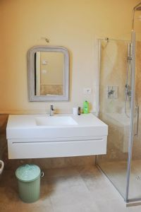 Villa Majorana : Bathroom with shower