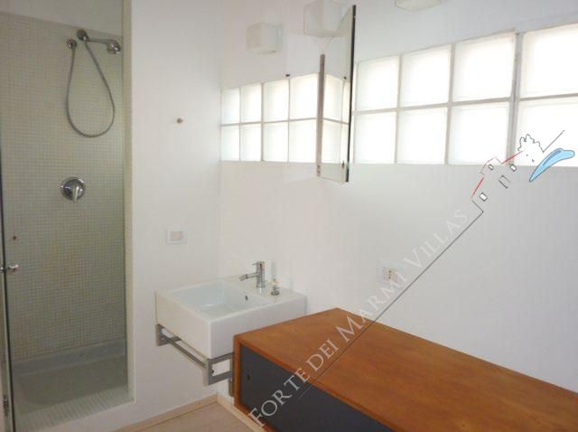 Villa Zen : Bathroom with shower