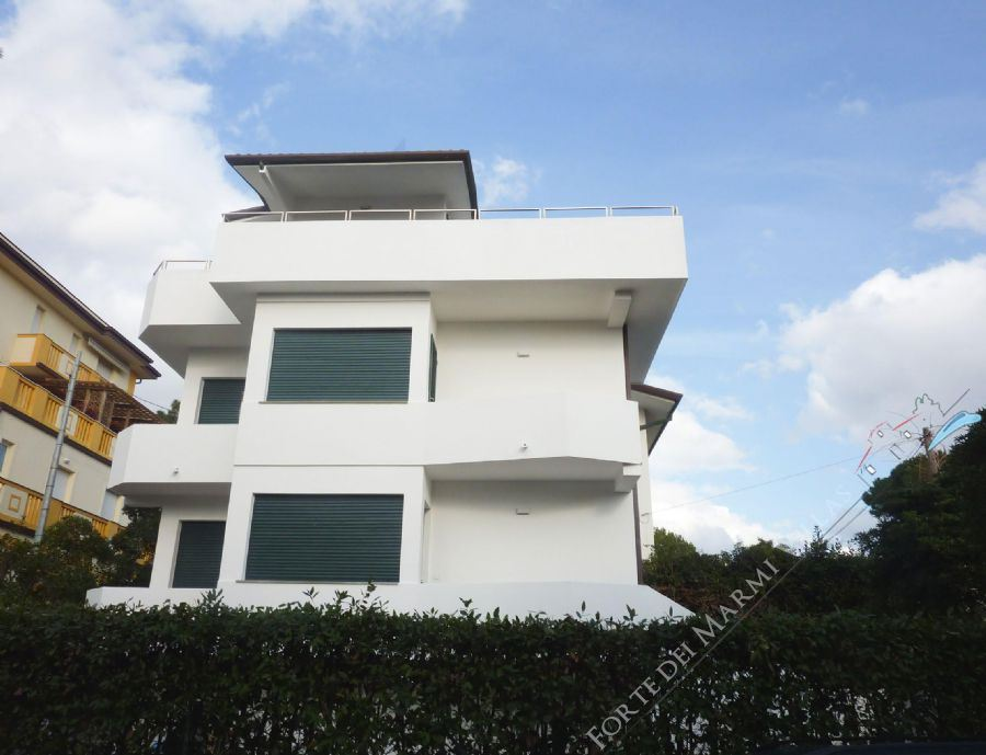 Villa Zen semi detached villa for sale Marina di Pietrasanta