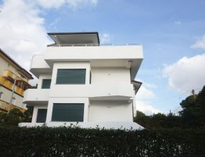 Villa Zen : semi detached villa for sale Fiumetto Marina di Pietrasanta