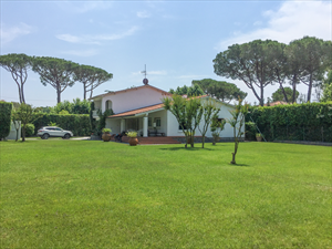 Villa Flora Roma Imperiale : Отдельная виллаФорте дей Марми