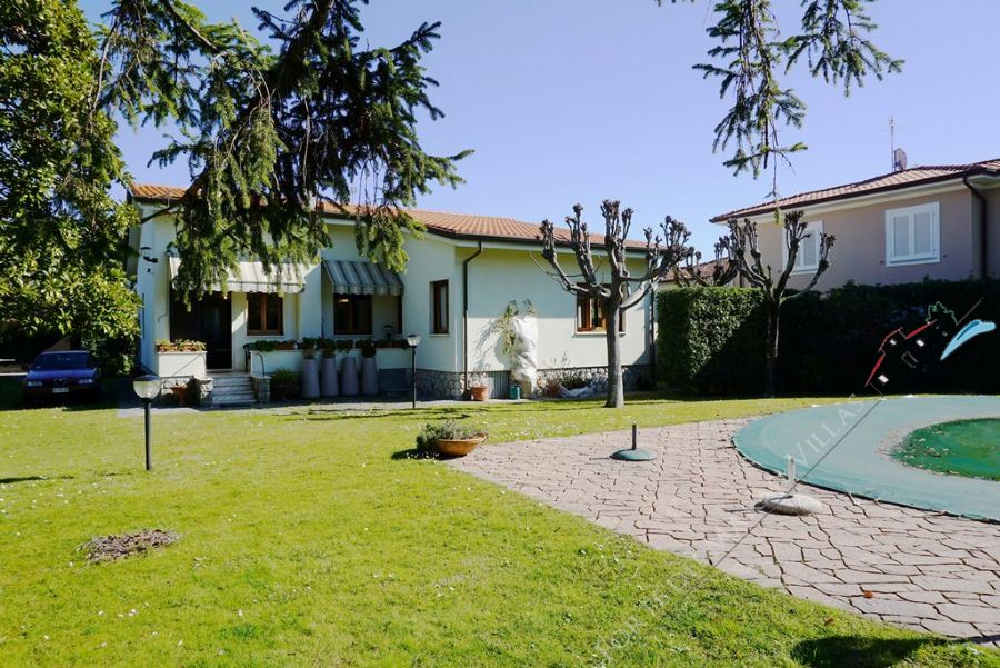 Villa Mirta - Detached villa To Rent Forte dei Marmi