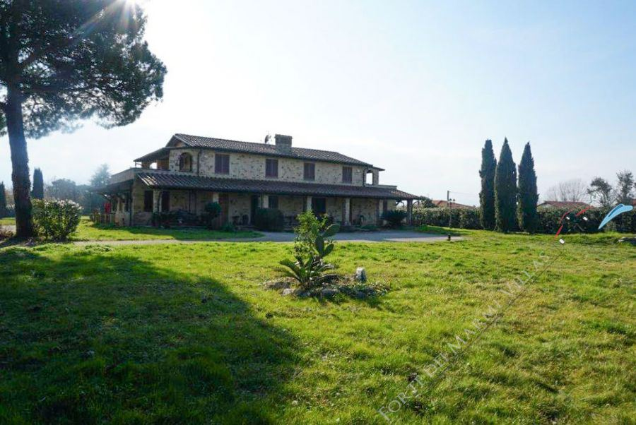 Rustico del Mare - Detached villa Camaiore