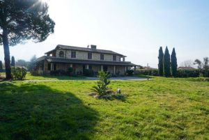 Rustico del Mare : detached villa for sale  Camaiore