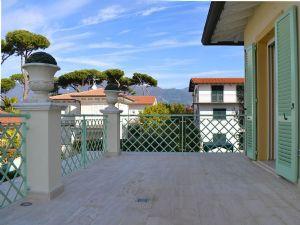 Villa Flora : Terrace