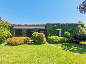 Villa Meraviglia : Outside view