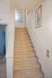 Villa Glicine : мраморная лестница
