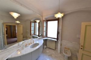 Villa Chiantigiana : Ванная комната