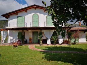 Villa Vezza villa singola in affitto Querceta Pietrasanta