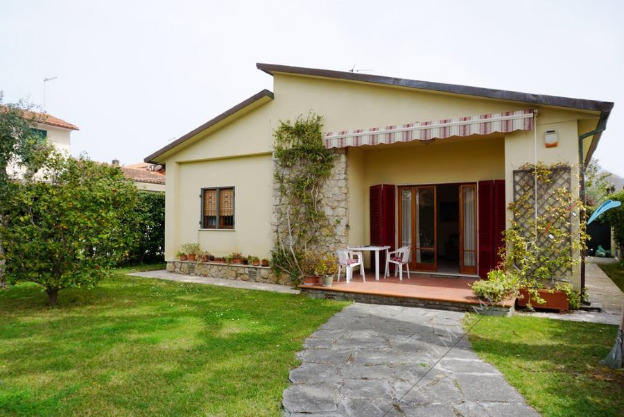 Villa Sonia - Detached villa To Rent Forte dei Marmi