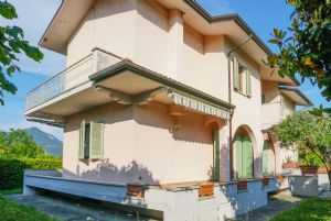 Villa Opportunity : detached villa for sale Fiumetto Marina di Pietrasanta