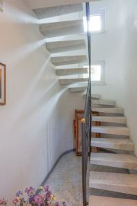 Villa Edhil : Marble stairs
