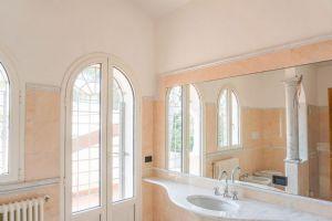 Villa Edhil : Ванная комната с душем