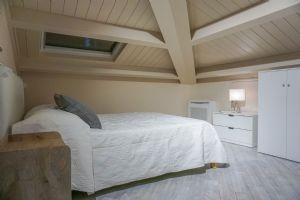 Trilocale Gioiellino : спальня с двуспальной кроватью