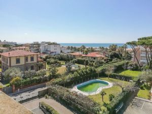 Appartamento Seven Apple : apartment for sale Focette Marina di Pietrasanta