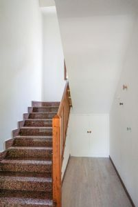 Villa Shanti : мраморная лестница