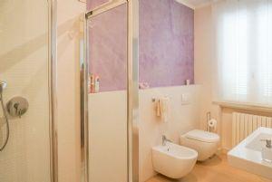 Villa Reggio : Bagno con doccia