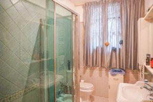 Villa Bargecchia : Ванная комната с душем