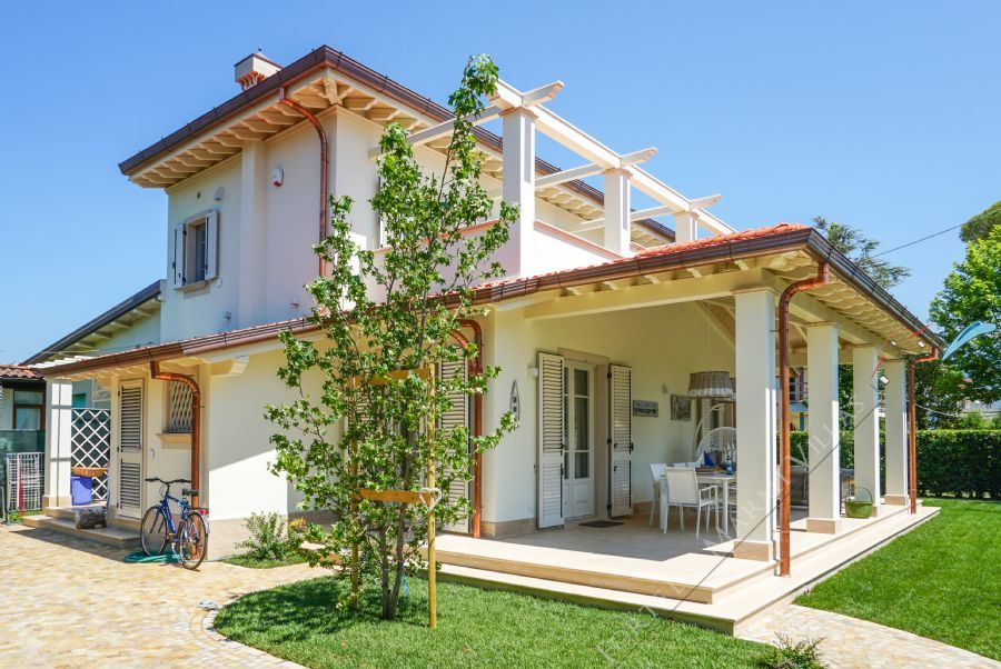 Villa Chanel detached villa to rent Forte dei Marmi