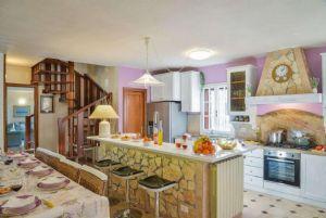 Villa Campagna di Camaiore : Kitchen