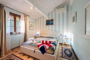 Villa Campagna di Camaiore : Camera matrimoniale