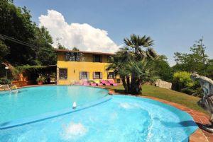 Villa Campagna di Camaiore : Outside view