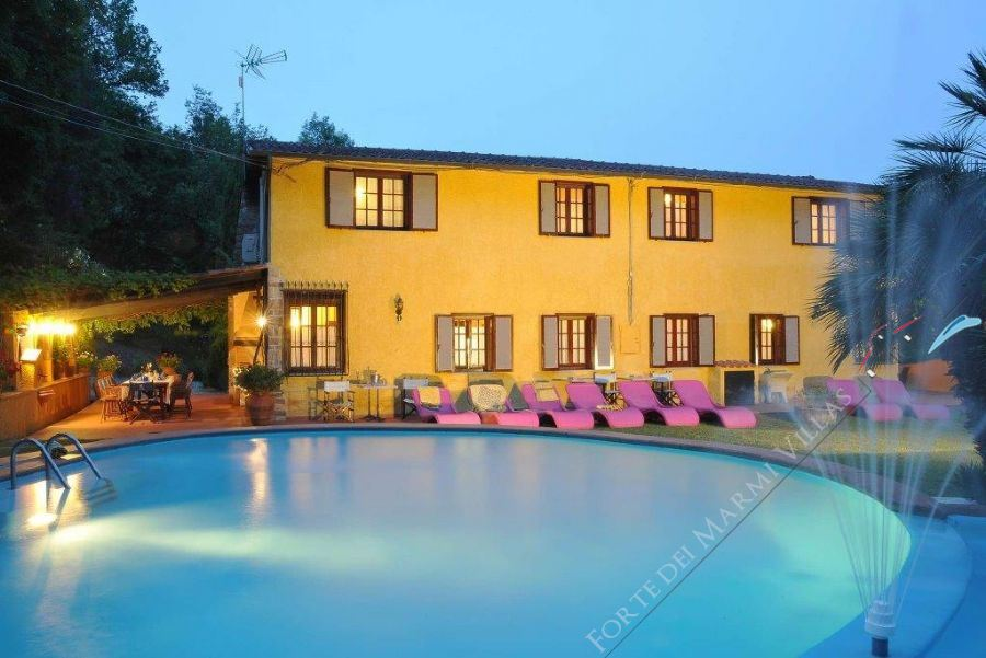 Villa Campagna di Camaiore Detached villa  for sale  Camaiore