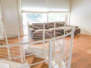 Dependance Romantica : лестница с деревянным покрытием