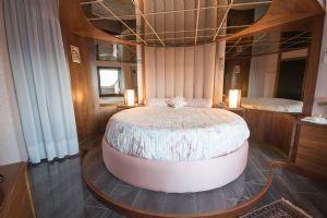 Villa Best View : хозяйская спальня