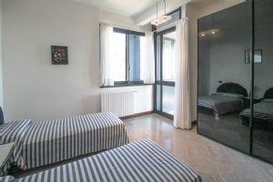 Villa Best View : спальня с двумя кроватями