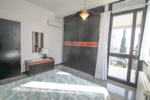 Villa Best View : спальня с двуспальной кроватью