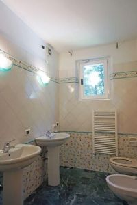 Villa Deco : Bathroom with shower