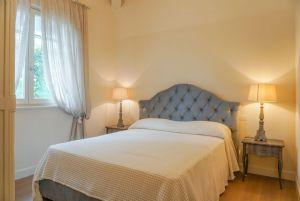 Villa Lina : спальня с двуспальной кроватью