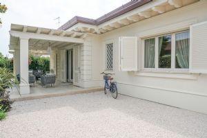 Villa Lina : villa singola in affitto Centro Forte dei Marmi