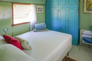 Villa Wineyard : спальня с двуспальной кроватью