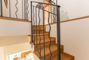 Appartamento Oasi : Wooden stairs