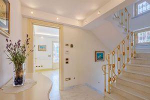 Villa Selene : Scale di marmo