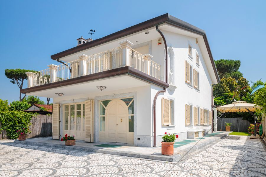 Villa Selene detached villa to rent Forte dei Marmi