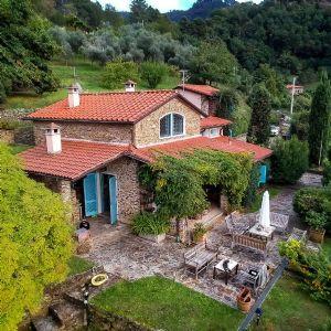 villa pietra Cipollino : villa singola in vendita  Pietrasanta