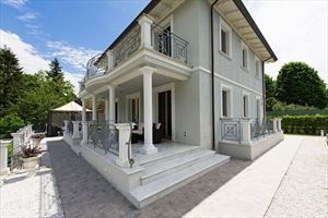 Villa Cherry : Detached villa Camaiore